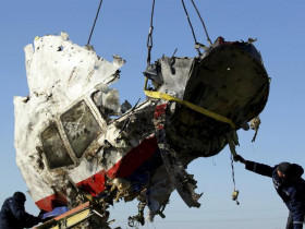 the-openair-graveyard-of-mh17_1
